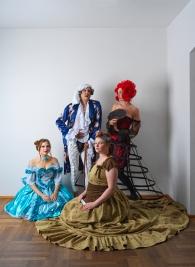 Argan mit Béline und seinen Töchtern Angelique und Louison